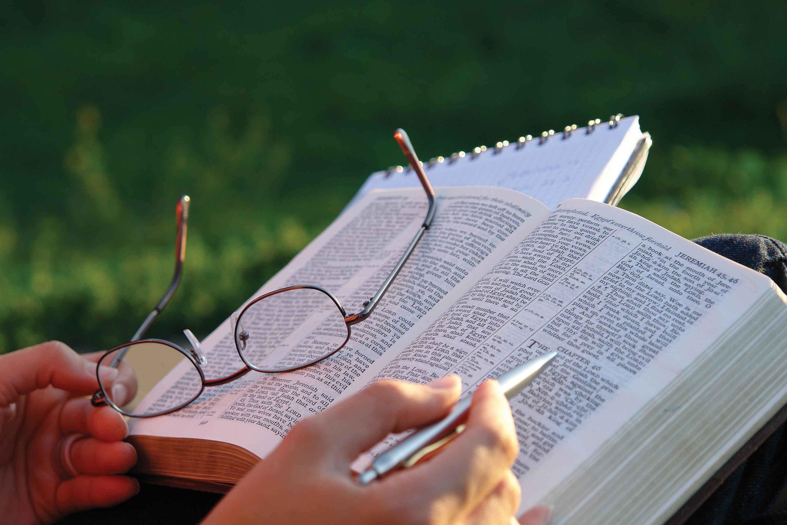 Plan de lectura para leer la Biblia en un año
